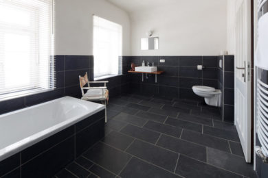 Tiles & Grout Cleaning & Sealing